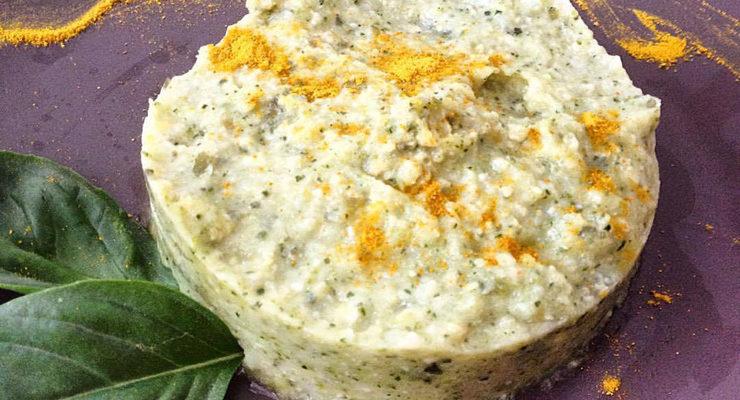 Tortino di quinoa con crema di zucchine, cipolle e menta